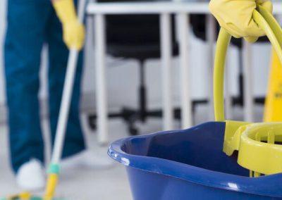 sprzątanie i czyszczenie